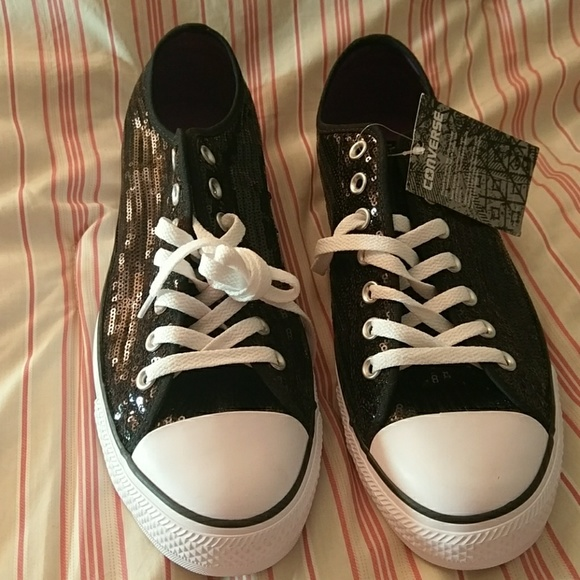 76e6ff8f8497 NWT Converse All-stars sequin shoes W 12
